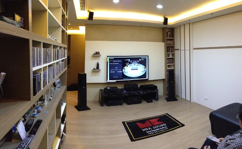 M&K SOUND 經典主喇叭LCR-750置於客廳